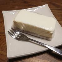 おやつ屋イノップ サワークリームのせニューヨークチーズケーキ