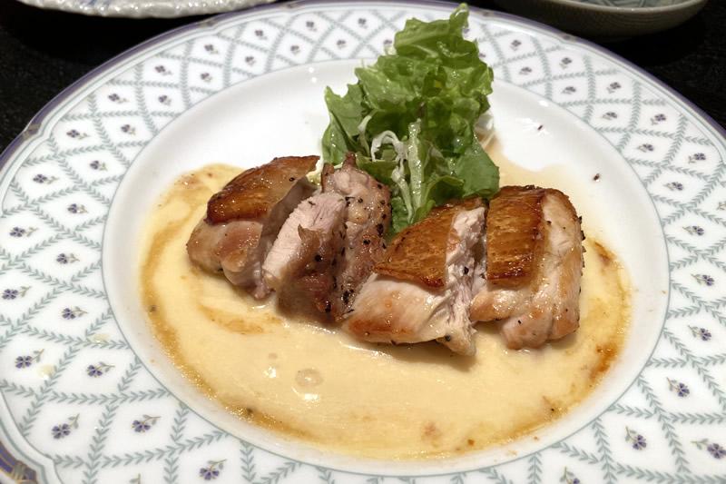 肉料理と大地の恵み ひなた 三河鶏 シュプリームソース
